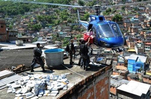 rio-de-janeiro-favelas-guerra